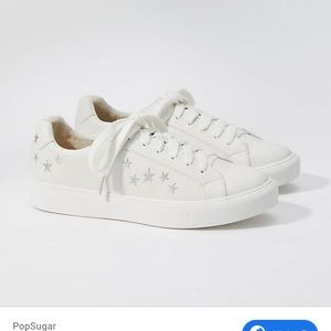 EUC white loft star embroidered sneakers